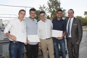 Premiados TFG junto al secretario de la ETSIE